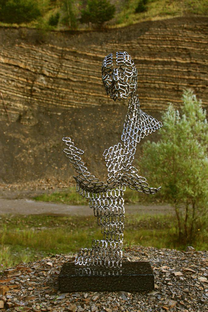 rzeźba z metalu popiersie